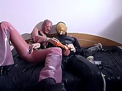 Kinky latex pumping