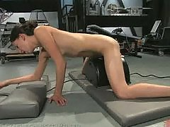 Amateur fucks the Sybian