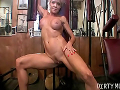 Mandy K Mature Muscle