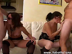 Couple Swingers Scambio di Coppia. Italian Hot Wife