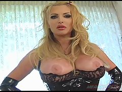 Taylor Wane in lace