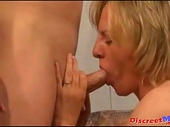 Mature cougar get pounded hard. Mature horny MILF suck big dick get ..