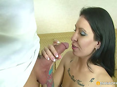 Banging your bitch at home 101. Tatooed brunette taking her boyfrien..