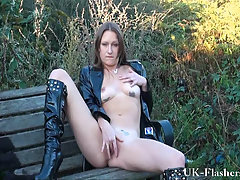 Piss Sexy English Milf
