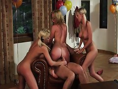 Babysitters 2 group scene