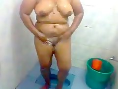 Sexy amp Hot South Indian Auntys Bath