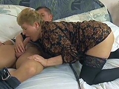 Granny fucks her young lover\'s meat p..