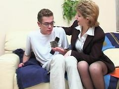 Margaret&Tommy seductive mom on video